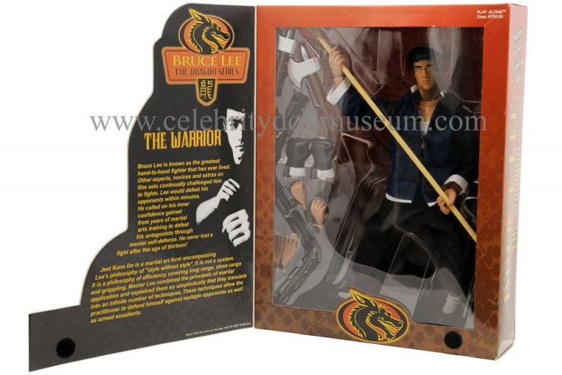 Bruce Lee action figure box open