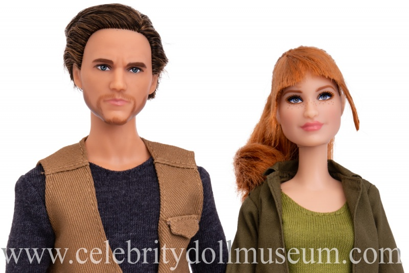Bryce Dallas Howard and Chris Pratt(Jurassic World) dolls