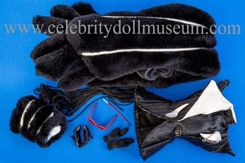 Glenn Close doll accessories
