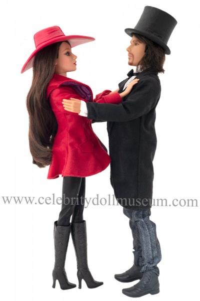 Mila Kunis and James Franco dolls