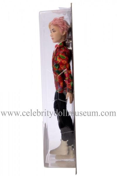 V BTS doll box side
