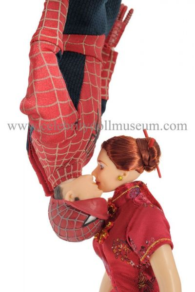 Tobey Maguire and Kirsten Durst Spiderman doll s